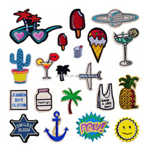 2017 Latest Design Fashion DIY Custom Embroidery Patches For Clothing Accessory