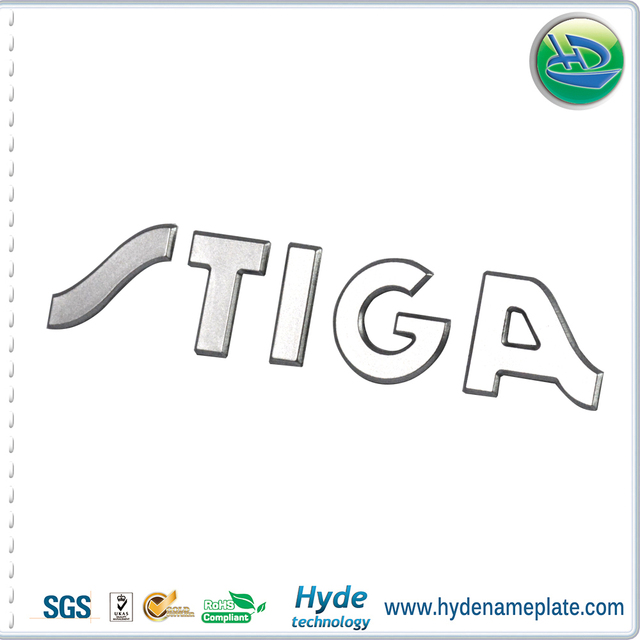 2017 custom plastic adhesive sticker logo self adhesive stickers made in china
