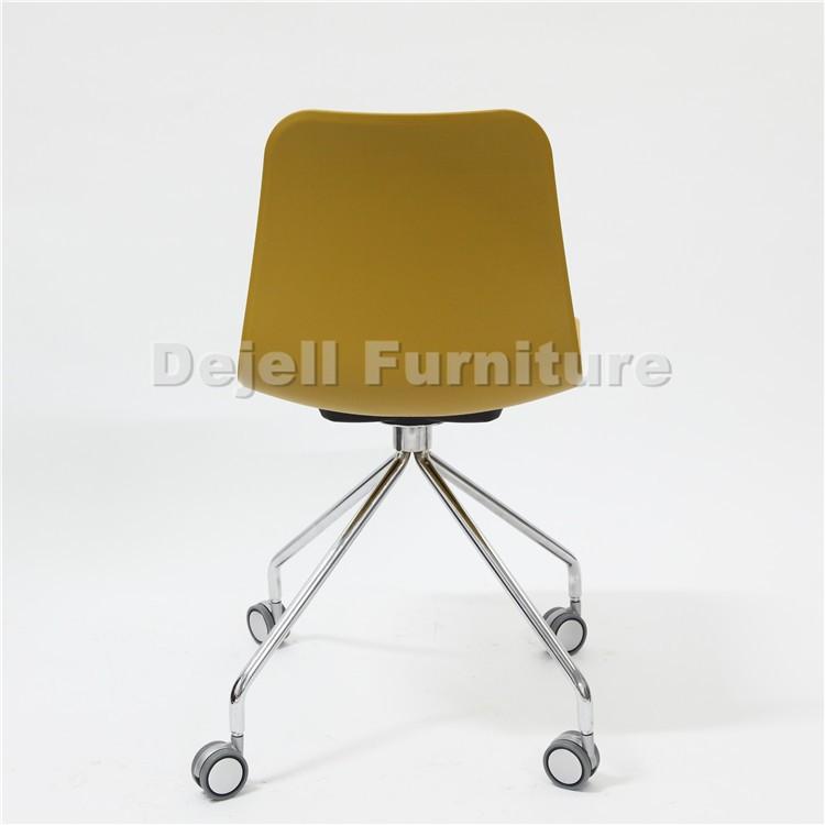 friseurstuhl mit rollen friseurstuhl mit rollen und verstellbarer lehne ebay comair. Black Bedroom Furniture Sets. Home Design Ideas
