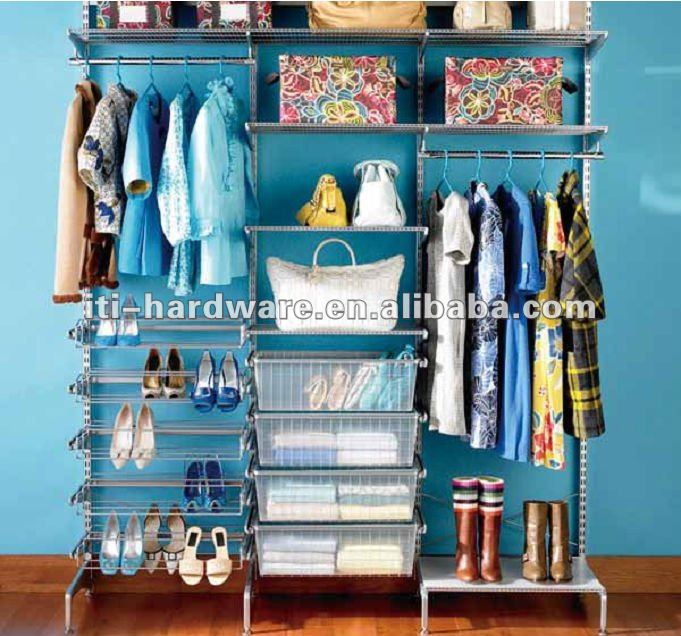 Collapsible walk in closet