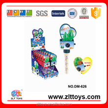 Hot selling promotional christmas candy toy with batteries