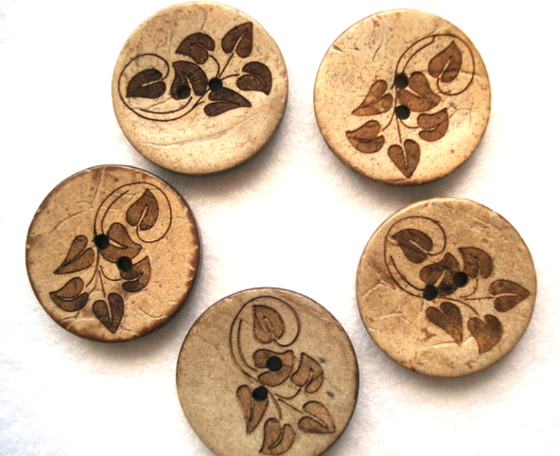 Free sample customized 18L small engraved decorative coconut kurta buttons for men