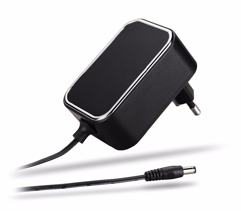 AC 100-240V to DC 5V 2A Power Adapter Supply Plug UK 3.5mm x 1.35mm for CCTV Cameras DVR NVR LED Light Strip CE BS
