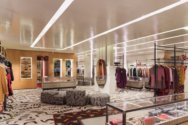 Vivienne-Westwood-flagship-store-by-Fortebis-Group-Paris-France-02.jpg