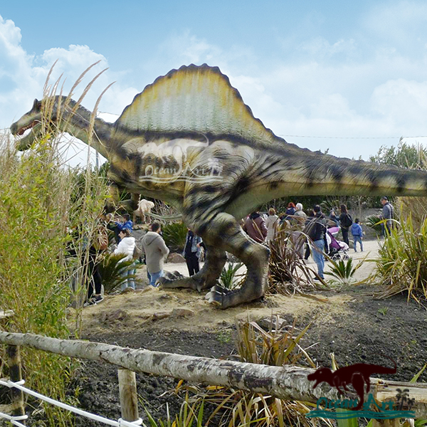OAJ 8616 Realistic Animatronic Carnotaurus Dinosaur Replica Model for Field Station Dinosaurs