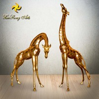 Hot sale resin giraffe statue, resin giraffe figurine for indoor decor