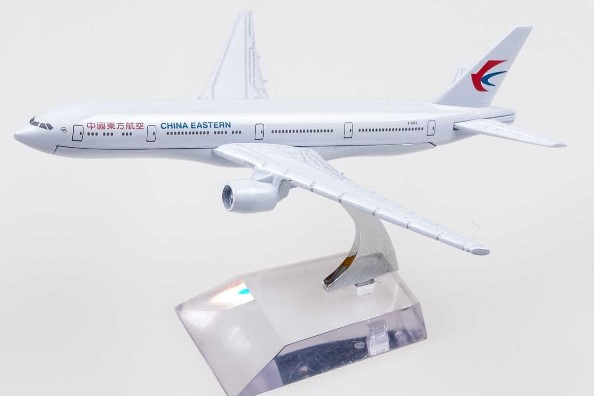 BOEING 777 model plane arts crafts