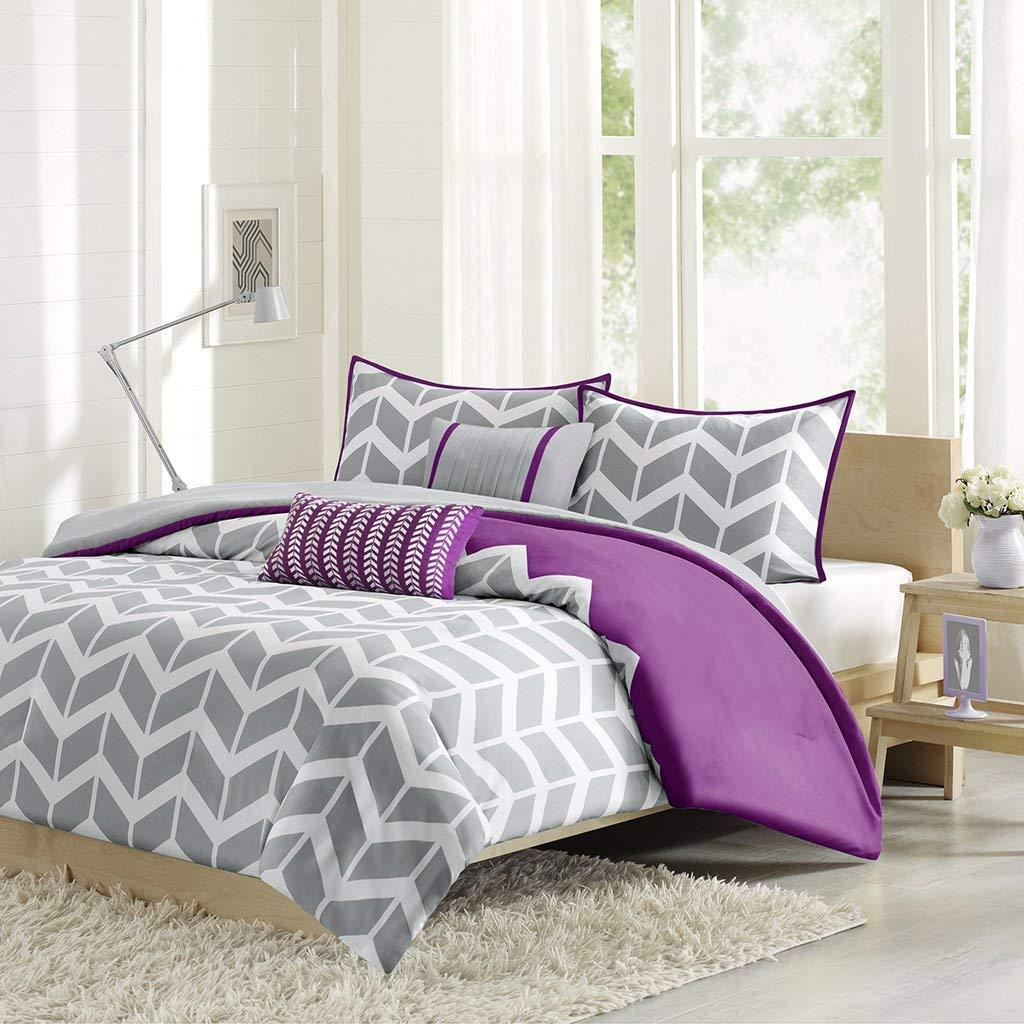 Intelligent Design Nadia Duvet Cover Twin/Twin XL Size - Purple, Chevron Duvet Cover Set – 4 Piece – Ultra Soft Microfiber Light Weight Bed Comforter Covers