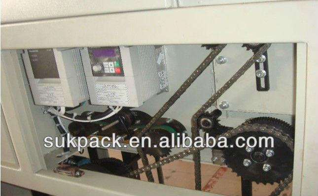Halbautomatische Papierverpackung / dünne Pads / Hygienische Serviettenverpackungsmaschine
