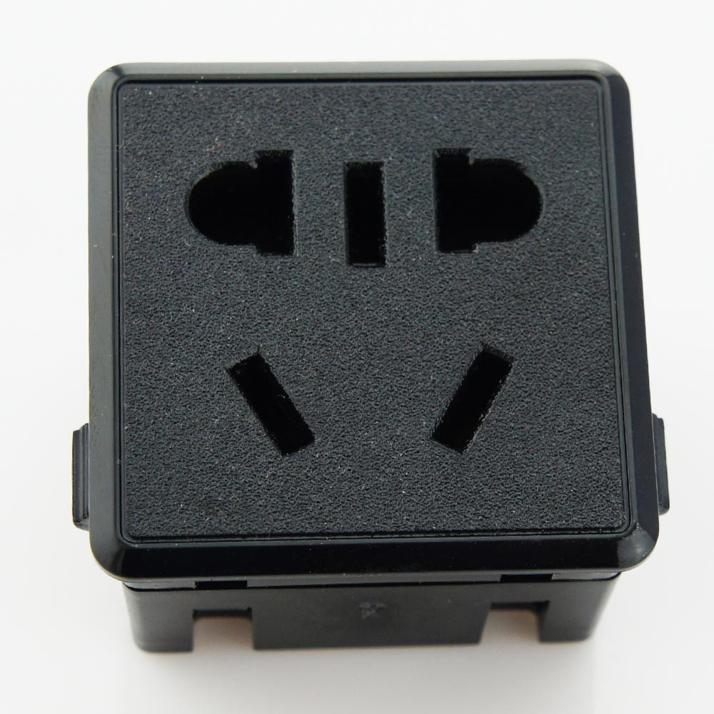 High quality and top sale useful 32 Amp industrial socket from wonplug Electrical Outlet