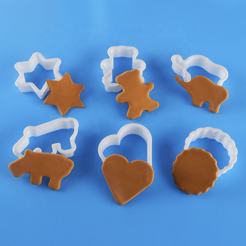 6 Animal Cookie Biscuit Plastic Cutters Set