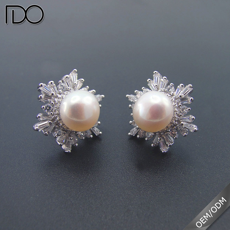 New model sterling silver snowflake pearl earrings stud for women,2017 latest design mother of pearl stud earrings women