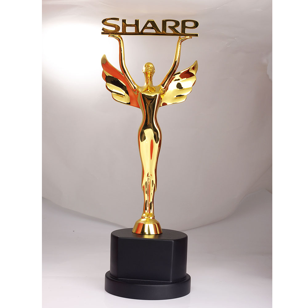 new <strong>design</strong> for custom beauty stature golden metal trophy with wood base