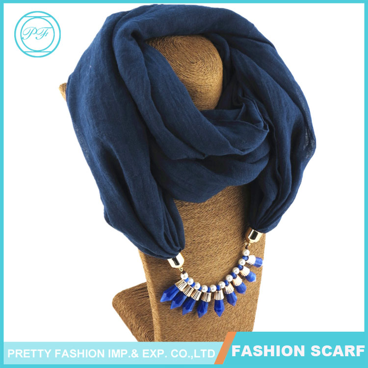 Fashion solid color navy round pendant neck scarf 2017