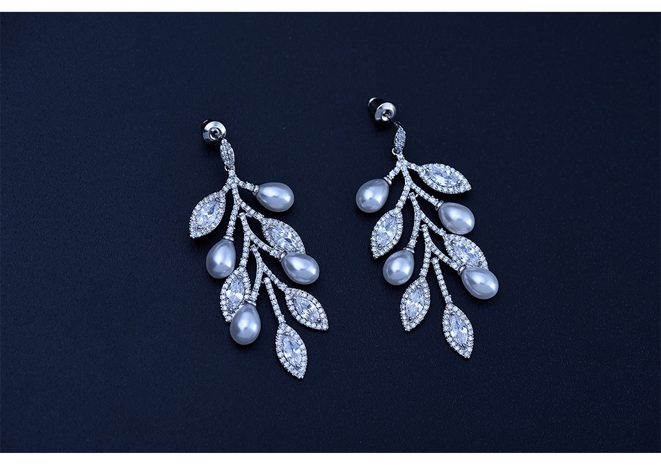 LUOTEEMI Newest Elegant Wedding Leaf Shape Statement Tiny CZ Rhodium Plated Pearl Dangle Earrings