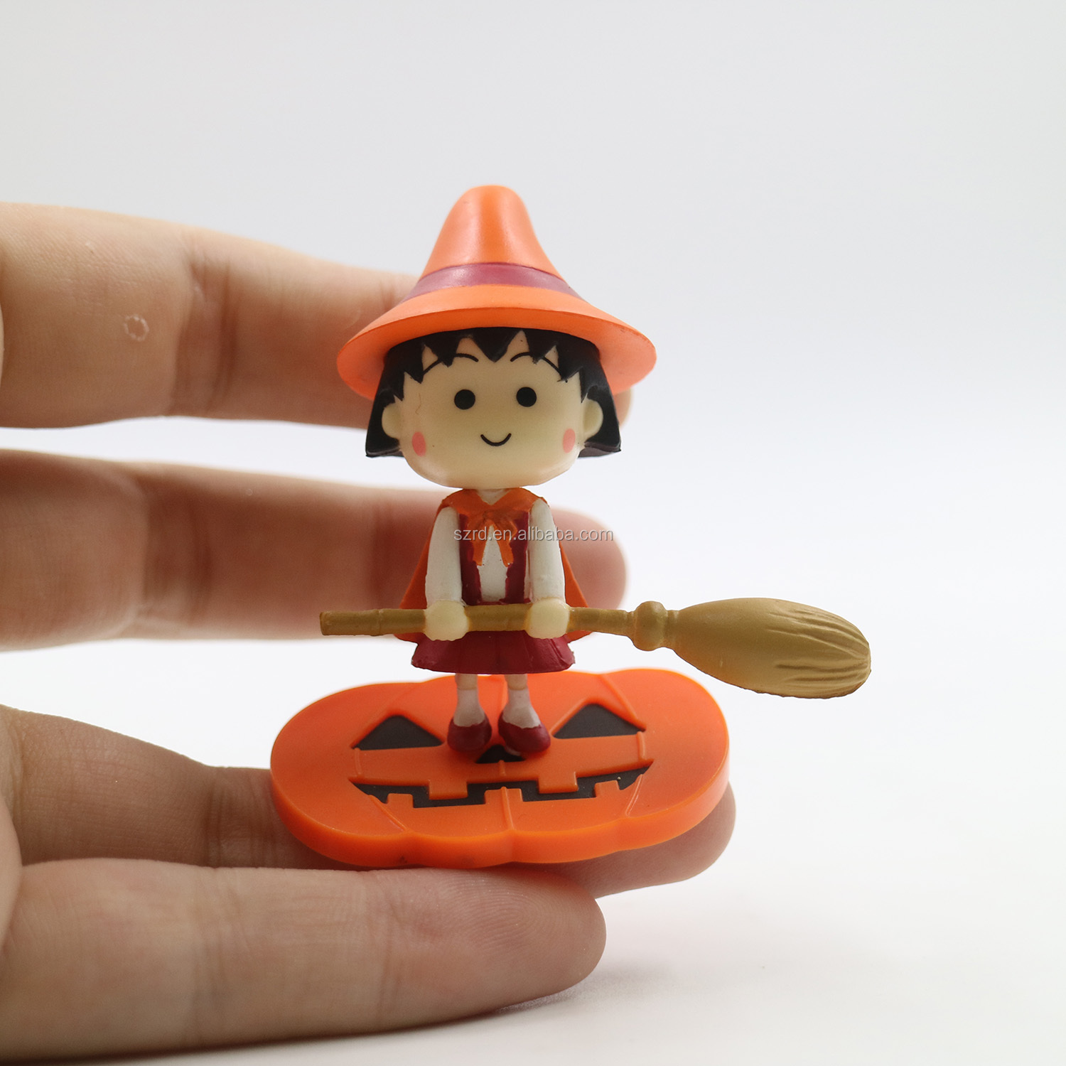 Hot selling custom pvc mini plastic figure key chain toy made in china