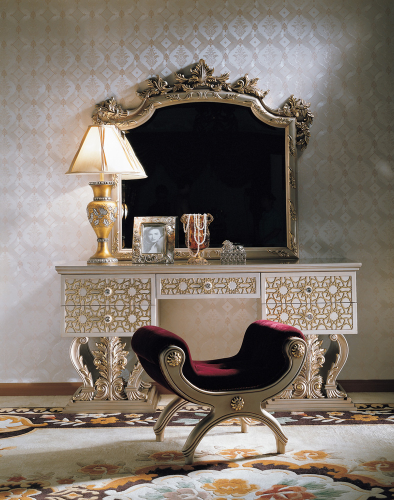 Royal Classic Furniture White Used Bedroom Furniture For