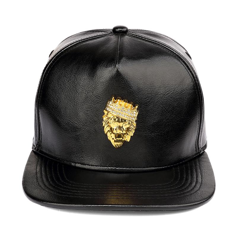 3e5f1024778f0 China personalizado bordado negro cuero SnapBack ala plana 6 panel proveedor  sombrero
