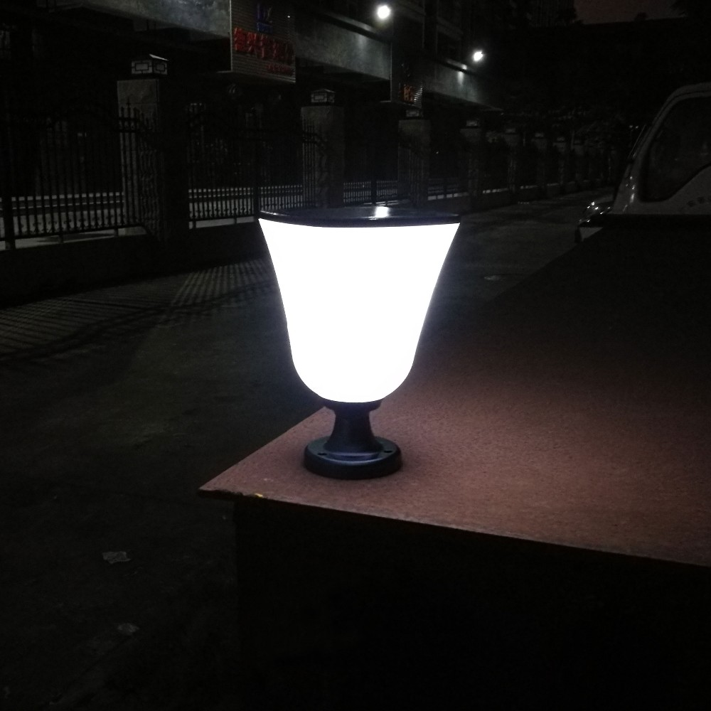 China manufacture low voltage decor garden solar light for fence post