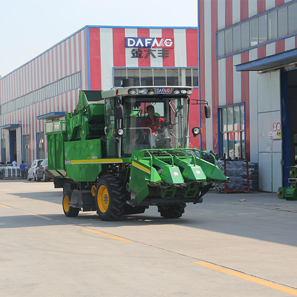 Self propelled combined mini sweet corn harvest machine manufacturer