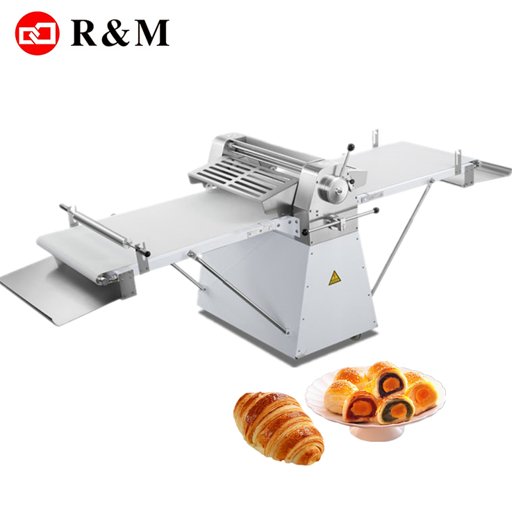Croissant brood kleine samosa gebak machine sheeter automatische bladerdeeg gebak machine