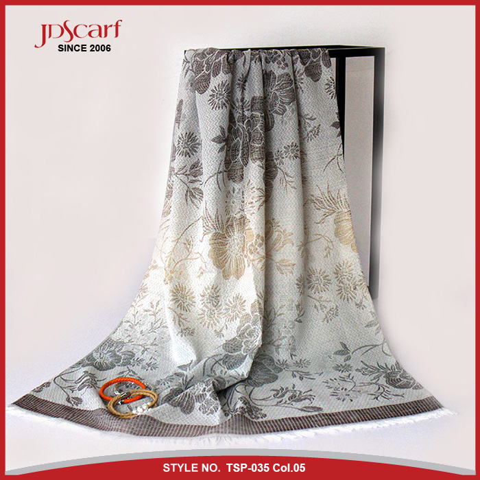2018 hot selling fashion woven scarf for spring fall winter