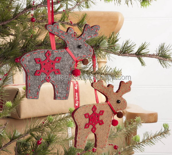 2017 new hot sell eco handmade cheap crafts wholesale polyester felt hanging decoration reindeer christmas tree skirt China