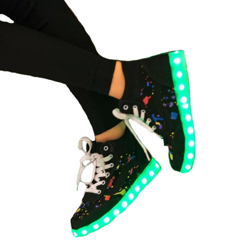 Autumn 2015 Newest LED Shoes Women And Men Colorful Graffiti Lights Light Up Fashion Sneakers For Adults Lovers Light Shoes