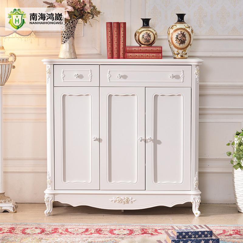Blanco antiguo estilo francés tres puertas Sala zapatos de madera ...