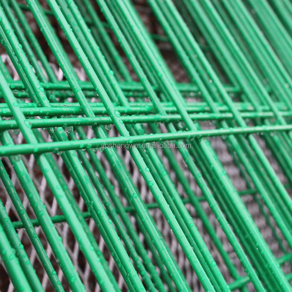 Curvy Welded Plastic Coated Light Green Wire Mesh Public Fencing ...