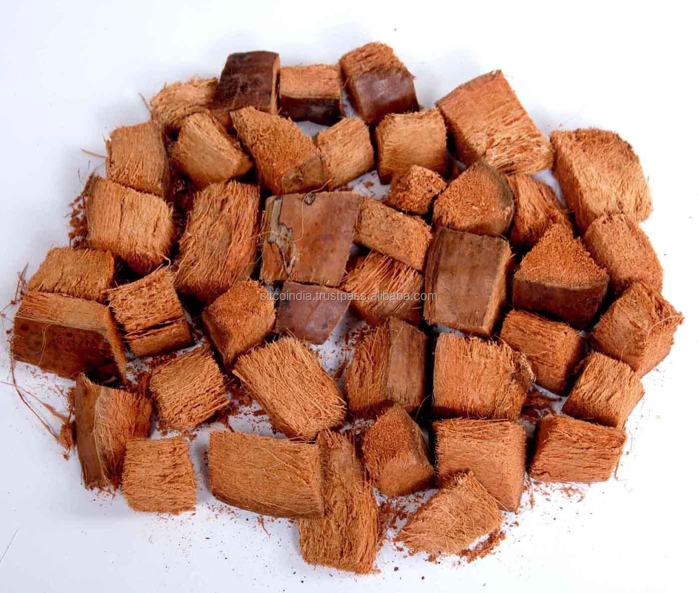 Paillis Noix De Coco copeaux de noix de coco pour l'agriculture - buy copeaux de  coco,copeaux,coques de noix de coco product on alibaba