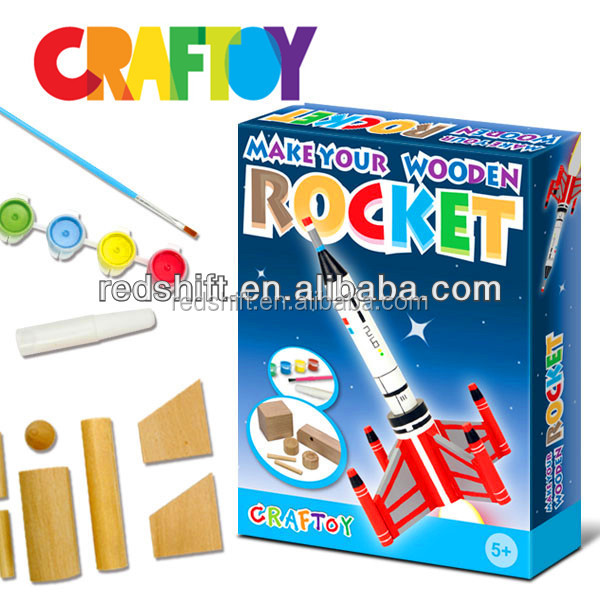 En71 kids project designing kit Color your Tall Wooden Rocket
