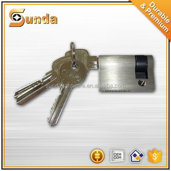 Modern design cylinder lock door lock cylinder with key for Door key design
