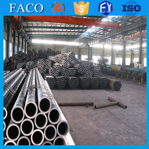 ERW Pipes and Tubes !! iron oxide black anti corrosion steel pipe pricing