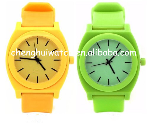 cheap watch for promotion made of plastic and silcone with steel caseback good quality and good price