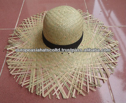 Cheap promotion straw hat on beach