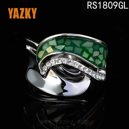 platinum wedding ring with colombian emeralds mens expandable wedding ring