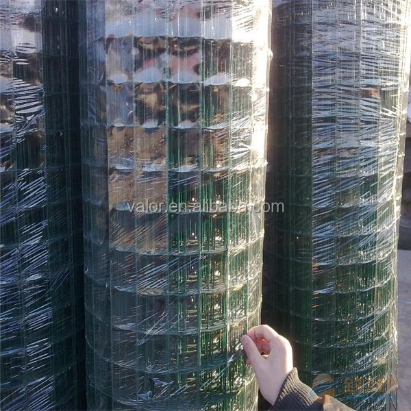 welded wire mesh wooden composite fence slats