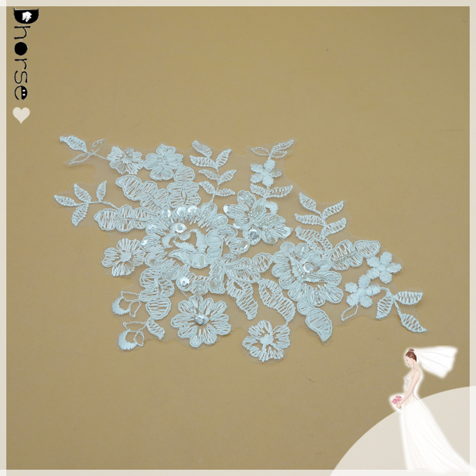 Guangzhou lace factory DHLF1608 embroidery fabric flower applique/ fabric applique patterns/ bridal embroidery applique