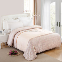 Low price floral style summer ployester quilt with cotton quilt fabric factory direct sales
