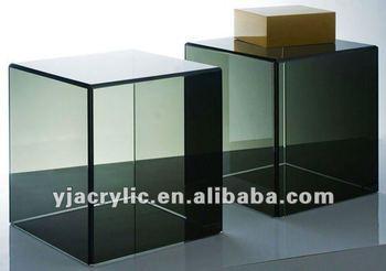 Merveilleux Acrylic Cube Table