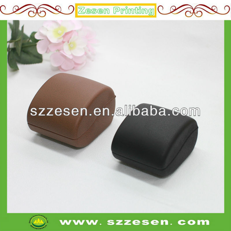 Luxury Leather Jewelry Ring Box with LED Light