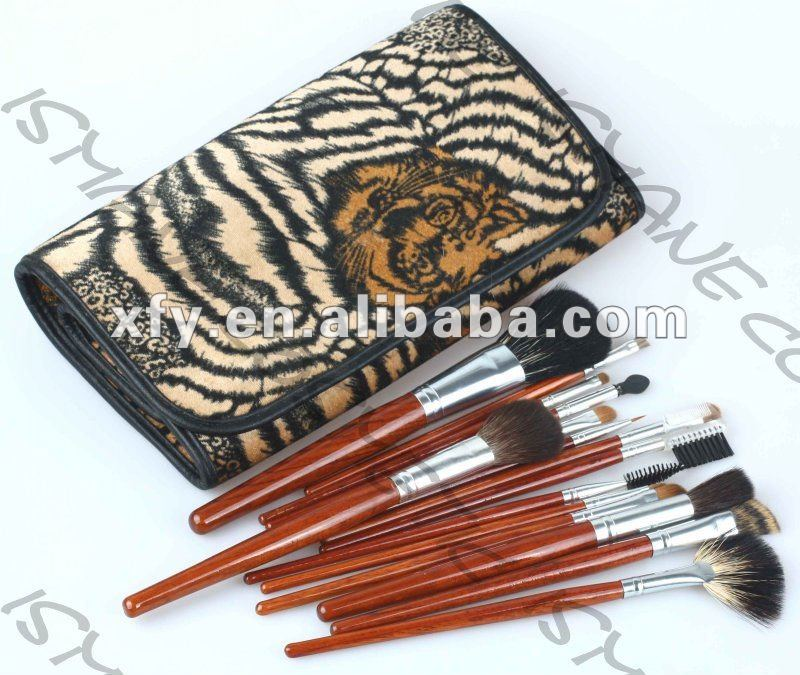 Old Stock 15 pcs Pro GOAT HAIR & Nylon Makeup Mineral Brushes set with Tiger Streaks Pouch / Paypal Accept