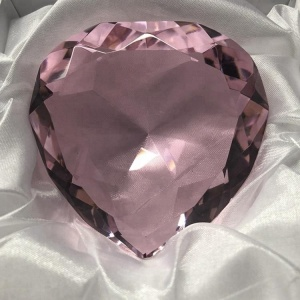 Fancy shining pink color heart diamond shape crystal paperweight wedding gifts for engraving