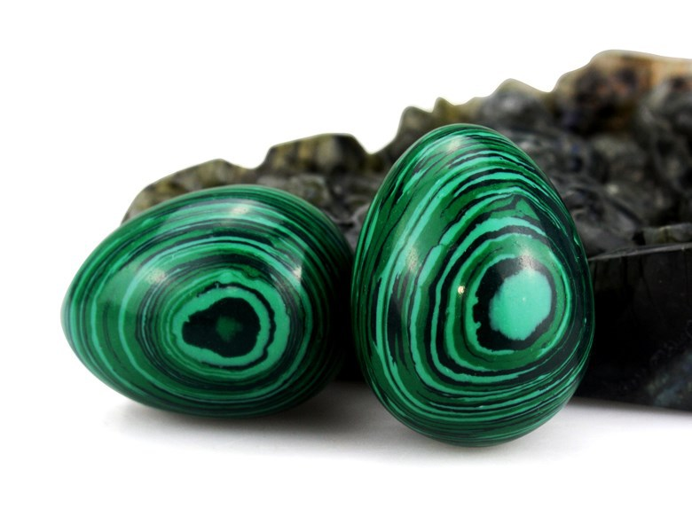 Hot wholesale carved gemstone malachite egg Christmas/Business gifts