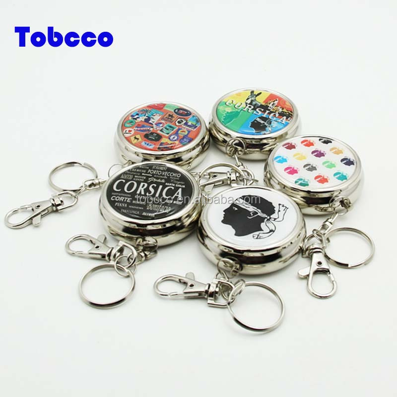 Wholesale New Mini Portable Key Chain Outdoor Stainless Steel Round Cigarette Keychain Ashtrays Portable Pocket Ashtray
