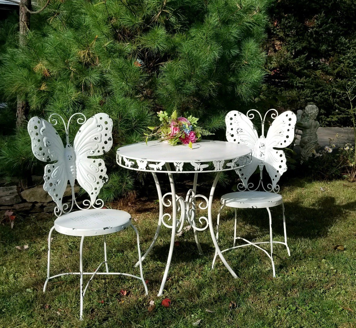 Zaer Ltd. Outdoor/Indoor Butterfly Bistro set, set of 3 (2 chairs, 1 table) (Antique White)