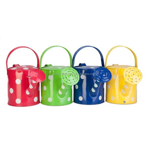 High quality cuntomized polka dot painting metal watering can for garden decoration
