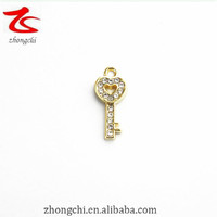 hot sell crystal key pendant charms for necklace and dangle