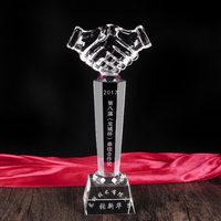 Cheap Crystal Hand Trophy For Cooperation Souvenir Gift